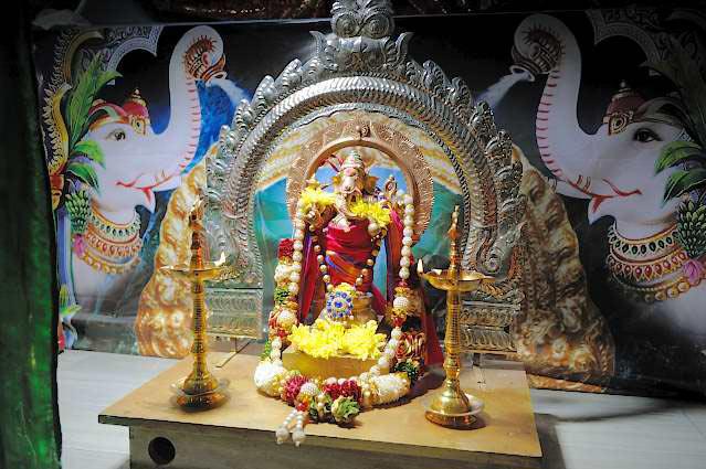 IL VIAGGIO (7) – Andiamo a visitare un tempio induista senza spostarci molto, diciamo fino a Montesanto